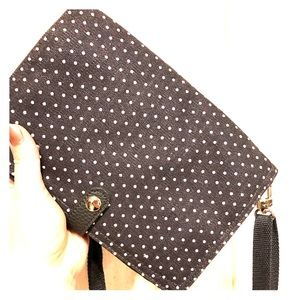 Thirty-one crossover/clutch
